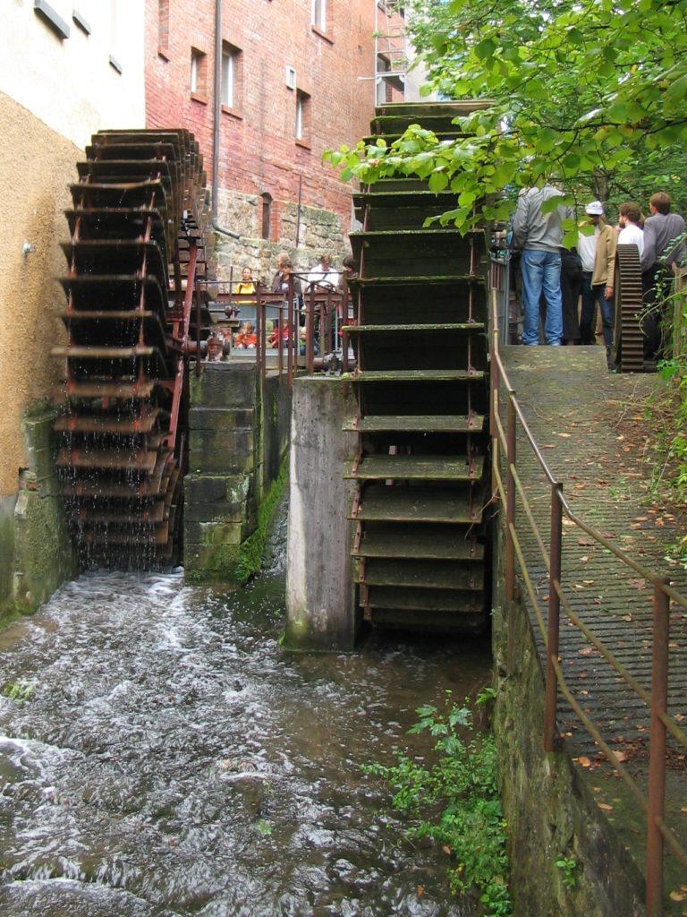 hydraulic waterwheel